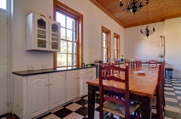 Have family dinners in the spacious Melkkamer Manor House.