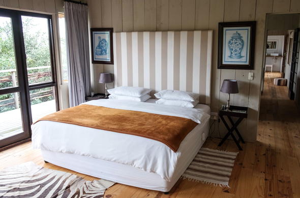 Accommodation in Plettenberg Bay Game Reserve is offered at Baroness Lodge.